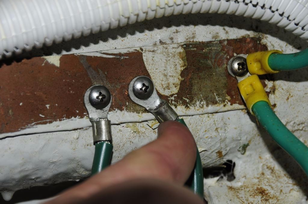 bonding systems and corrosion prevention steve d antonio marine tapping screws and thin copper strips are a poor combination as they nearly always lead to loose high resistance connections